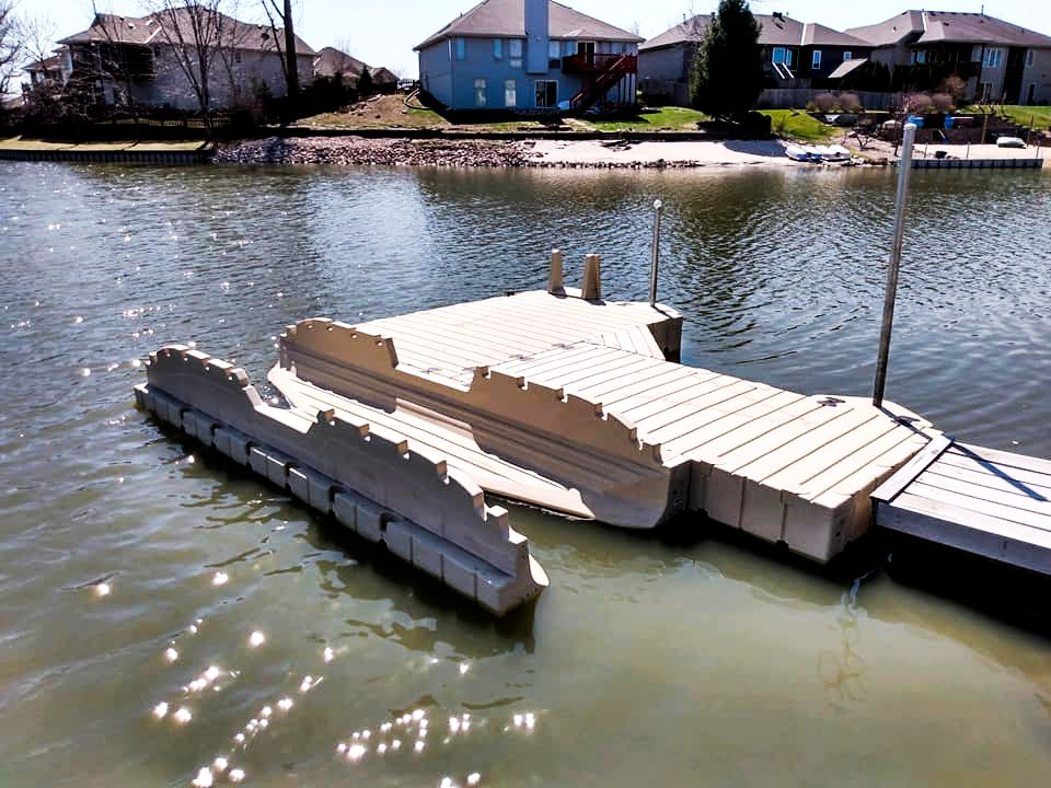 boat-dock-with-kayak-launcher