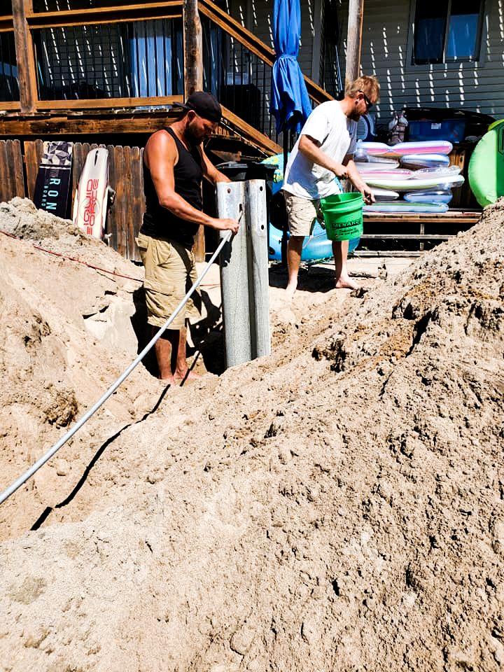 crew-installing-sea-wall
