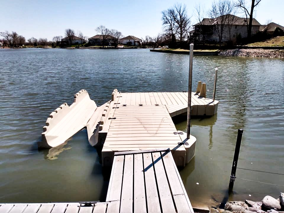 marine-dock-with-a-kayak-launcher