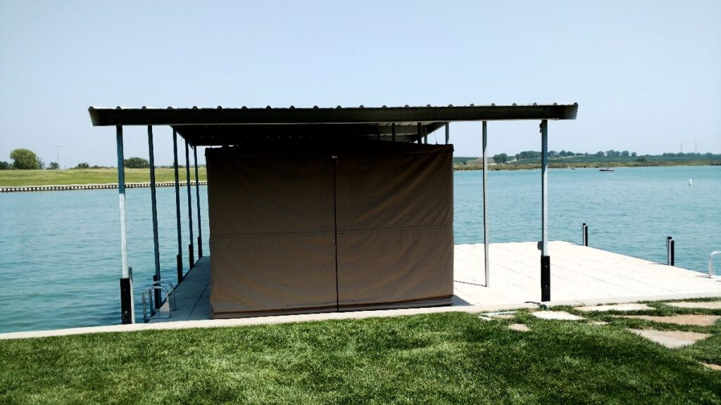 side-view-touchless-boat-cover