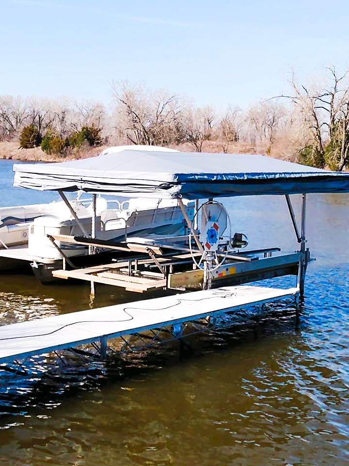 touchless-boat-cover-nebraska-lake