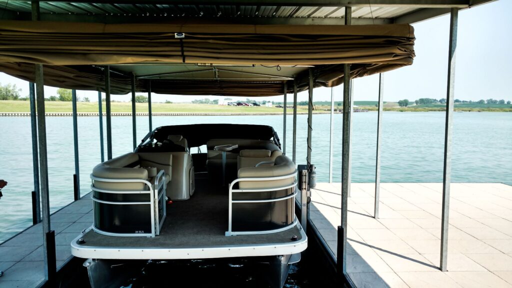 touchless-boat-cover-pontoon-boat